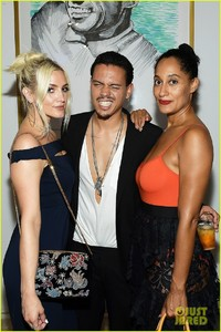 ashlee-simpson-evan-ross-make-art-with-a-cause-charity-event-a-family-affair-19.jpg